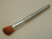 Кисть для румян Angled Blush Brush