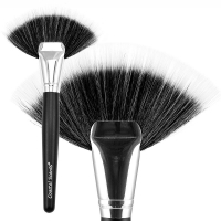 Кисть Fan Brush Black